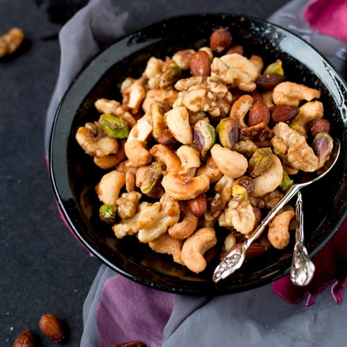 Sweet and Spicy Holiday Nuts - easy and amazing holiday nuts, with some heat. Recipe by @Reem   Simply Reem   rasamalaysia.com