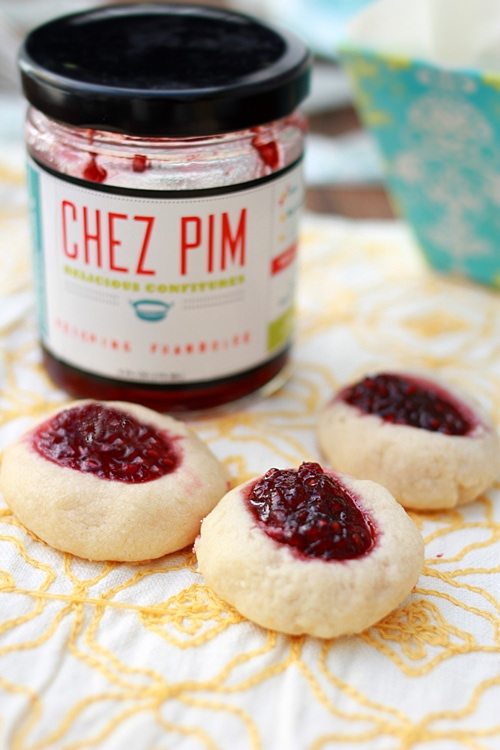 Thumbprint Cookies – Amazing thumbprint cookies filled with raspberry jam. So crumbly, sweet, and buttery | rasamalaysia.com