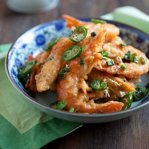 Salt and pepper shrimp easy delicious recipes salt and pepper shrimp forumfinder Choice Image
