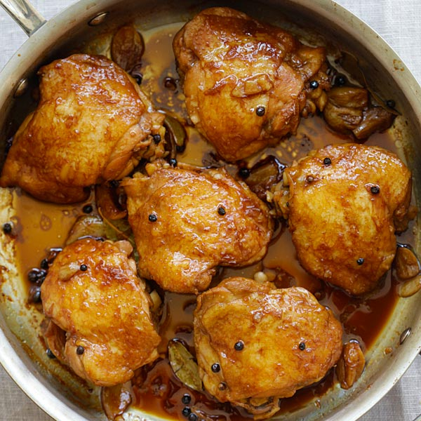 Chicken Adobo - crazy delicious Filipino chicken adobo recipe made in one pot. Chicken Abodo is an easy dinner for the entire family | rasamalaysia.com
