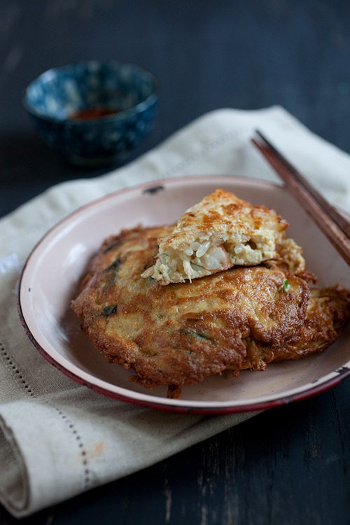 Egg Foo Young - easiest & super YUMMY egg foo young recipe. Cheaper and a zillion times better than takeout | rasamalaysia.com