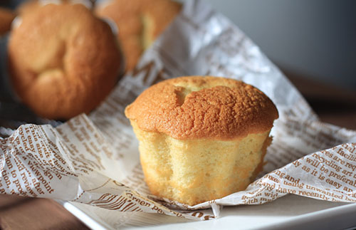 Easy and delicious mini Chinese egg sponge cake recipe.