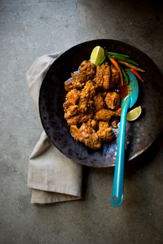 Chicken vindaloo is a popular Indian curry with vinegar and spices. Easy chicken vindaloo recipe that originated from Portugal. | rasamalaysia.com