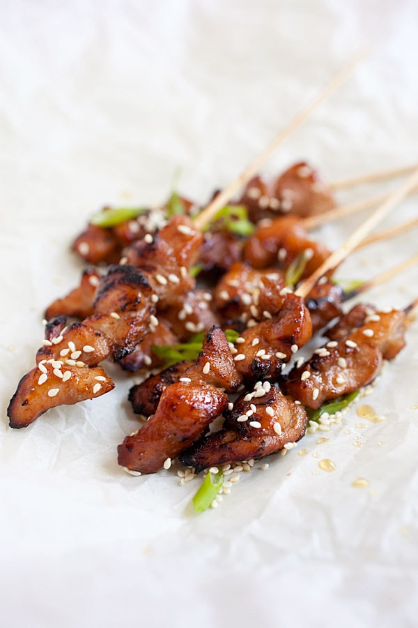 Easy and delicious honey sesame chicken skewers ready to serve.