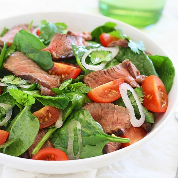 Thai Beef Salad is a tasty salad with beef and greens in a savory dressing. Easy Thai beef salad recipe that everyone can make at home. | rasamalaysia.com