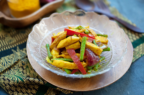 Easy and healthy homemade Malay stir fry chicken (ayam goreng kunyit) marinade with turmeric.