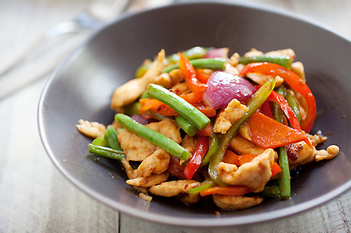Easy and delicious Malaysian chicken paprik stir fry in a plate.