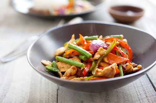 Malaysian easy and quick ayam paprik stir fry recipe.