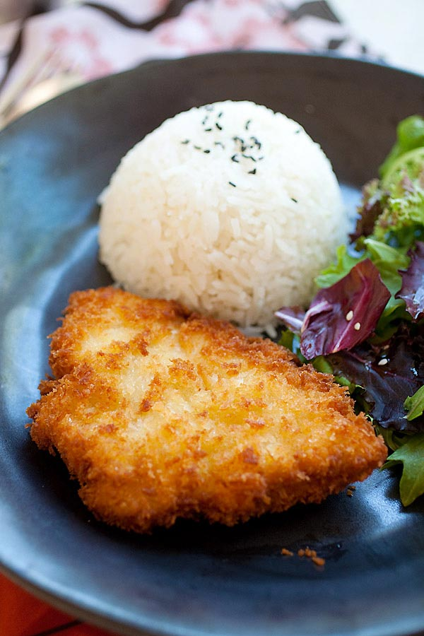 Easy Chicken Katsu (Japanese fried chicken cutlet) recipe, served with Katsu sauce.