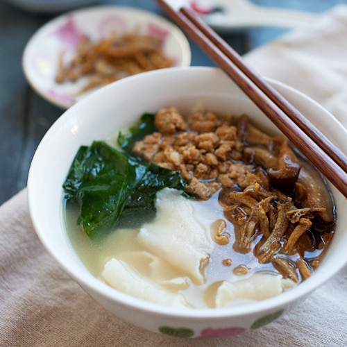 Pan Mee - Malaysian dish with hand-torn noodles in a rich anchovy broth and topped with ground pork, veggie and crispy anchovies | rasamalaysia.com