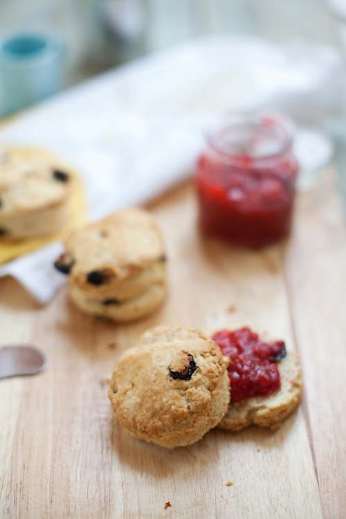 Jamie Oliver's Crumbliest Scones recipe. Very light and crumbly, best for breakfast with some jam | rasamalaysia.com