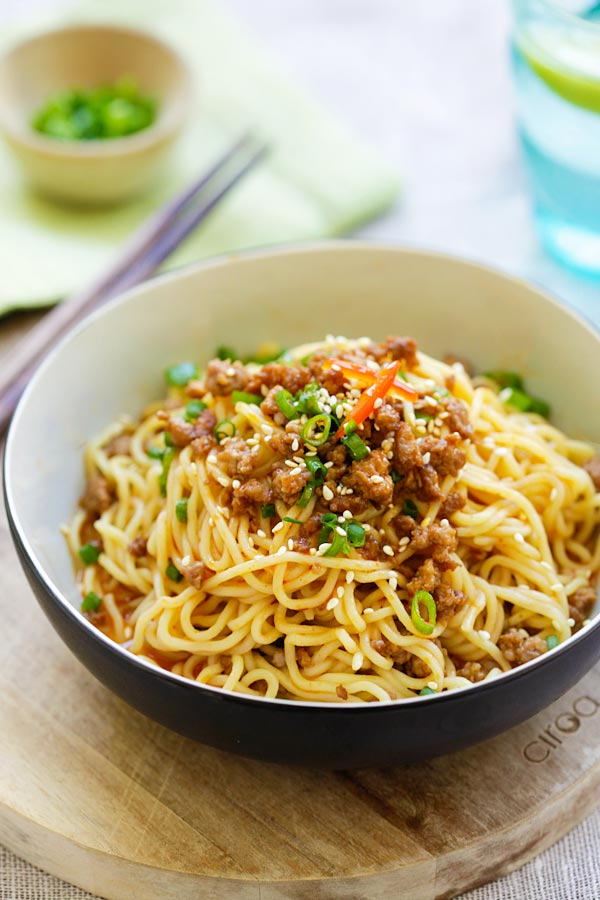 Sichuan Chinese Dan Dan noodles with ground meat.
