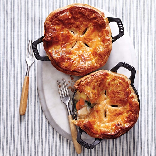 Chicken potpie and chicken potpie recipe using frozen puff pastry. Easy chicken potpie recipe from Martha Stewart Living magazine. | rasamalaysia.com