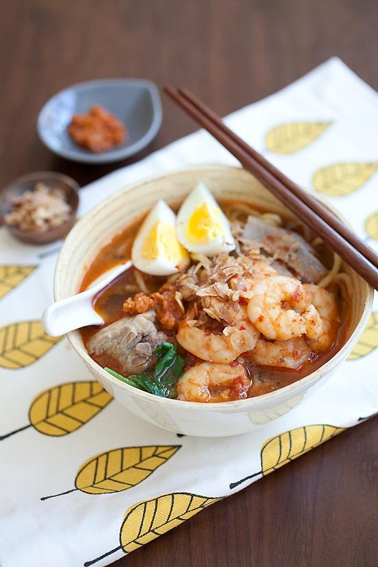 Penang Hokkien Mee (Prawn Noodle Soup) / 福建虾面