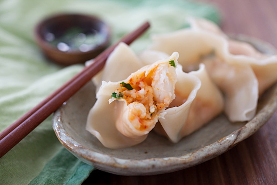 Easy and healthy steamed Chinese Red Curry Shrimp Dumplings ready to serve.