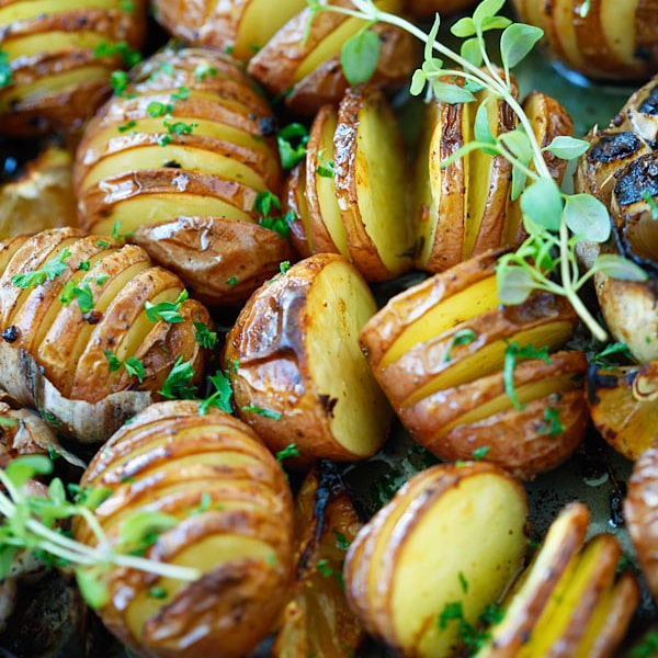 Garlic Herb Roasted Potatoes