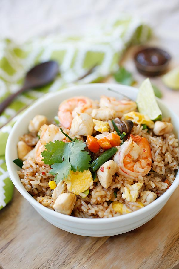 Tom Yum Fried Rice – your favorite Thai Tom Yum Flavor in a fried rice dish. The most amazing fried rice with exotic flavors that you can't stop eating | rasamalaysia.com