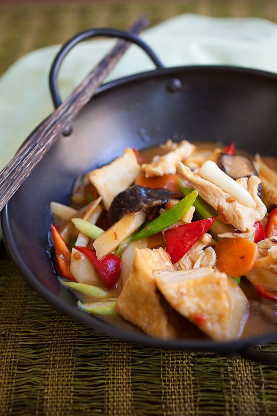 Sichuan homestyle tofu is a tofu dish made with spicy bean sauce. Easy Sichuan homestyle tofu recipe (家常豆腐) that you can make at home. | rasamalaysia.com