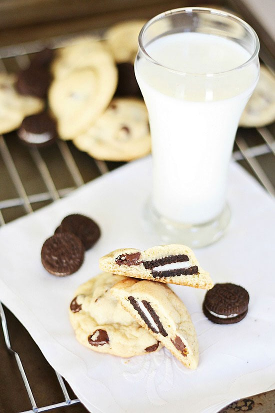 Easy and quick Oreo-stuffed chocolate chip cookies recipe.