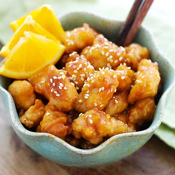 Orange chicken - easy homemade orange chicken recipe that takes 30 mins to make. It's healthier and much better than Panda Express and Chinese takeout | rasamalaysia.com