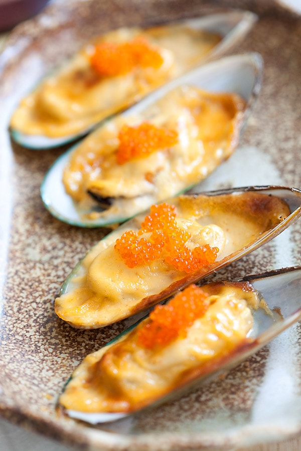 Easy recipe for Cheese-mayo mussels with fish roe.