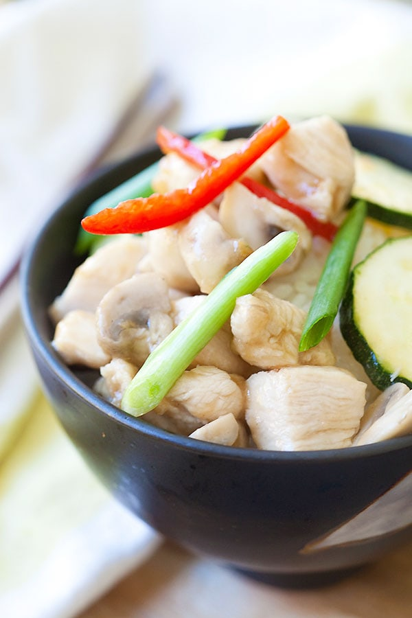 Easy Chinese Mushroom chicken recipe with zucchini stir-fried in a simple brown sauce.