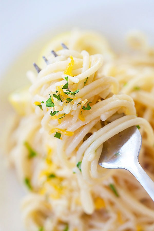 Easy and healthy homemade Parmesan Garlic Noodles with garlic and Parmesan cheese.
