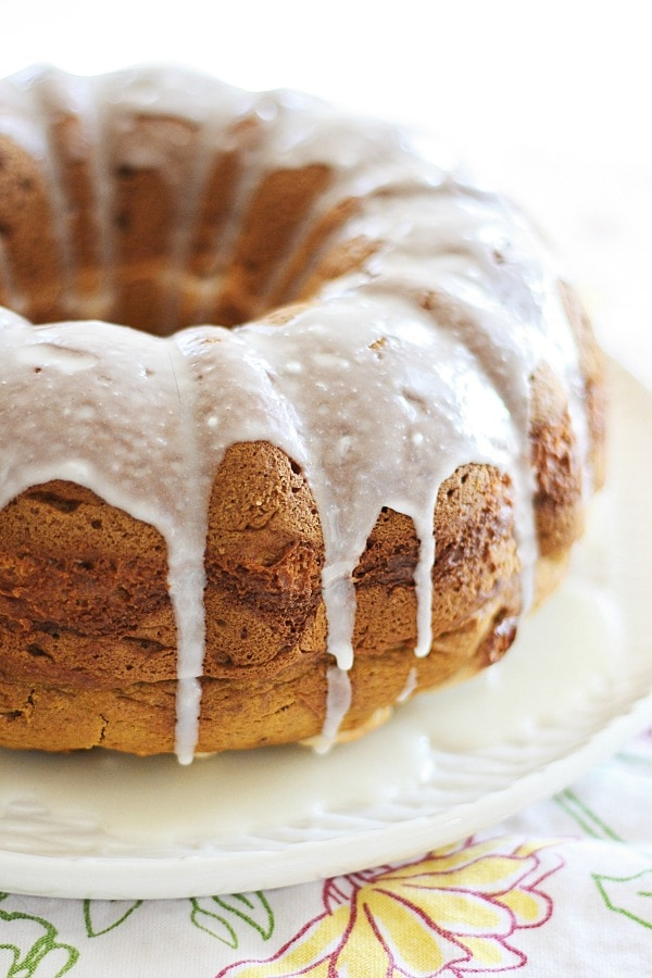 Easy and healthy sweet pumpkin cream cheese bundt cake.