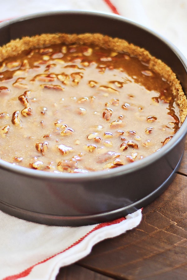 Pecan Pie Cheesecake – rich, creamy, and sinfully decadent cheesecake loaded with pecan and syrup. Absolutely amazing cheesecake that everyone wants more | rasamalaysia.com