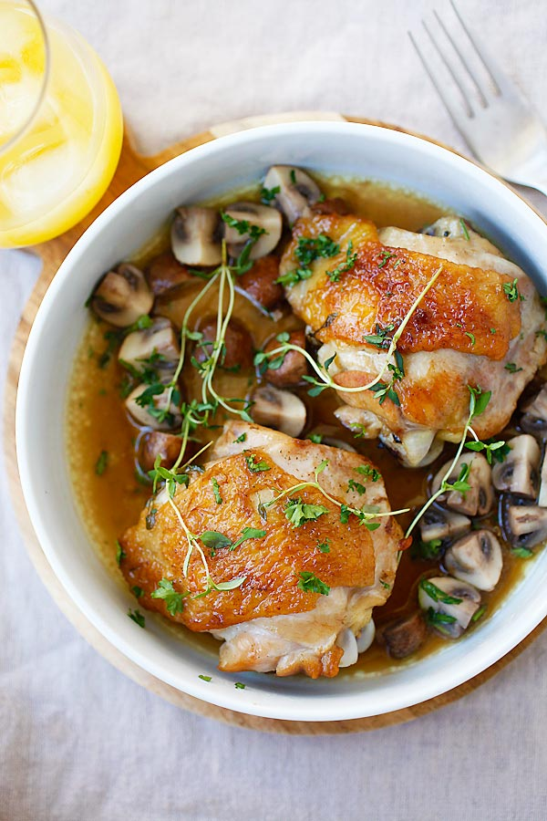 Chicken with Sauteed Mushroom - one-pan chicken with mushroom, all cooked in a pan with wine and chicken broth. So easy, delicious, and budget friendly | rasamalaysia.com