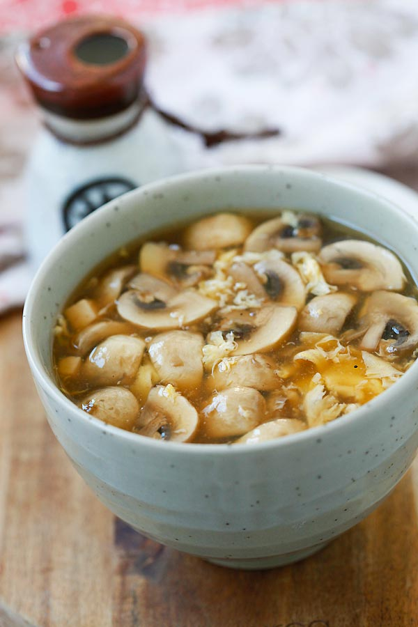 Hot and Sour Soup - BEST and EASIEST Chinese hot and sour soup recipe ever! Simple ingredients, takes 15 mins and a zillion times better than takeout | rasamalaysia.com