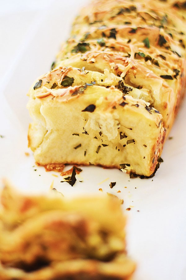 Garlic Herb and Cheese Pull Apart Bread - AMAZING pull-apart bread that is loaded with cheese and garlic herb butter, so good you can't stop eating!! | rasamalaysia.com