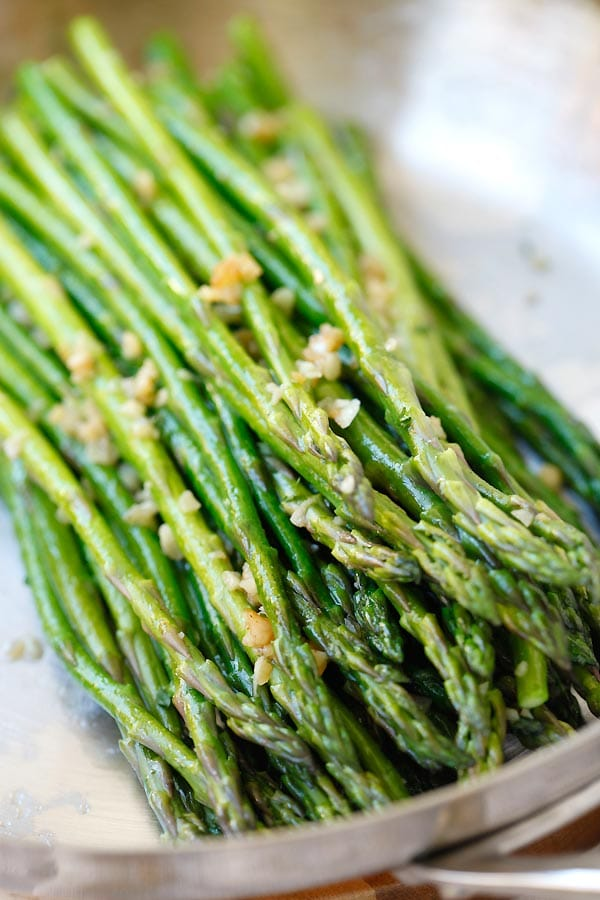 Easy Sauteed Asparagus with garlic butter seasoning