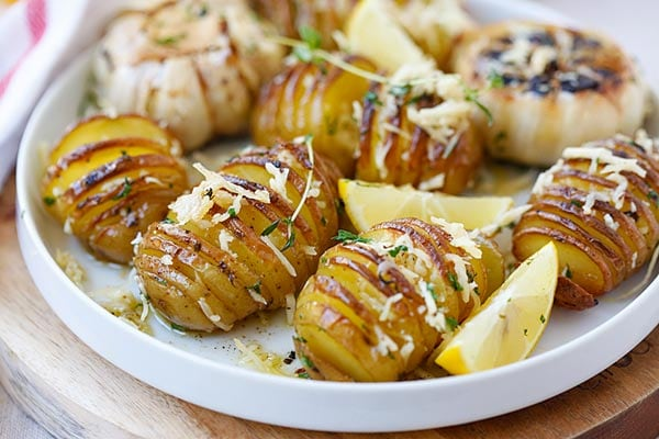 Parmesan Roasted Potatoes - the easiest and BEST roasted potatoes with ...