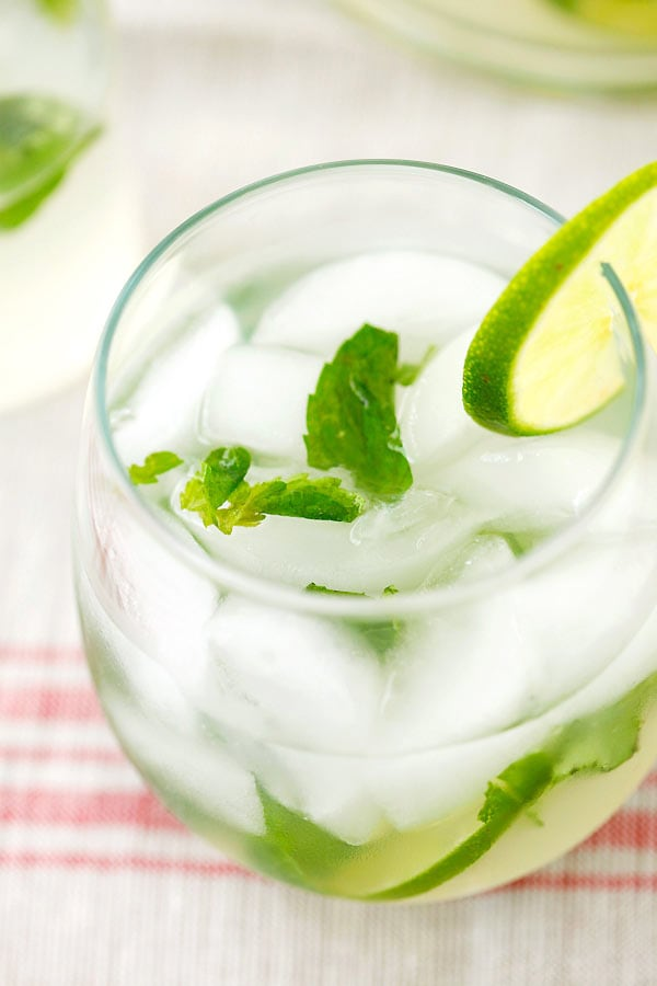 How to make easy and coconut mojito.