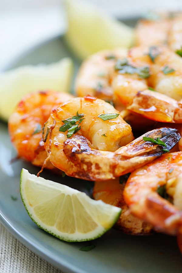 Easy homemade Honey Sriracha Shrimp Kebab ready to serve.