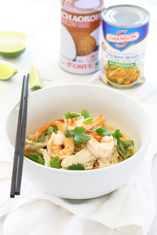 Coconut Curry Noodle Bowl – incredibly delicious, light, and refreshing Coconut Curry Noodle Bowl topped with chicken, shrimp, & herbs.