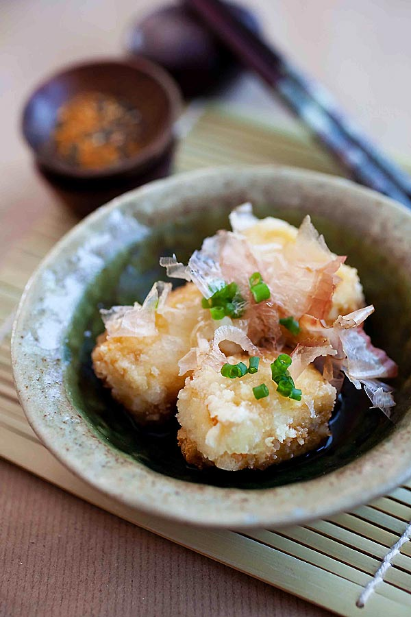 Agedashi Tofu –a popular Japanese appetizer of deep fried tofu in a sweet and savory sauce. Super healthy, delicious and easy to make! | rasamalaysia.com