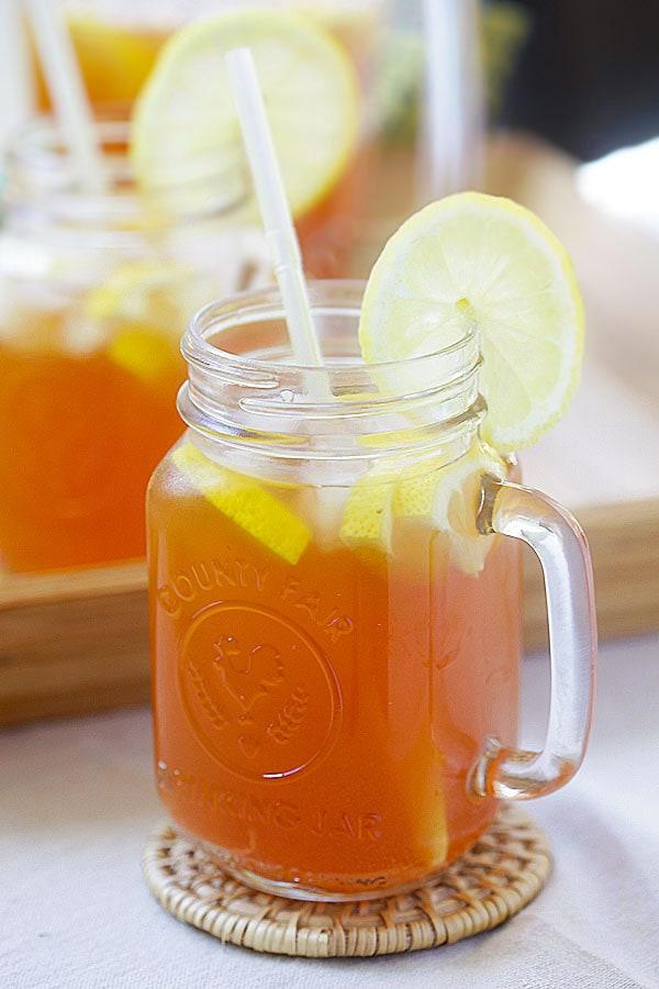 Easy homemade body detox drinks with ginger and lemongrass.