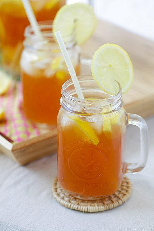 Summer ginger lemongrass detox iced tea recipe.