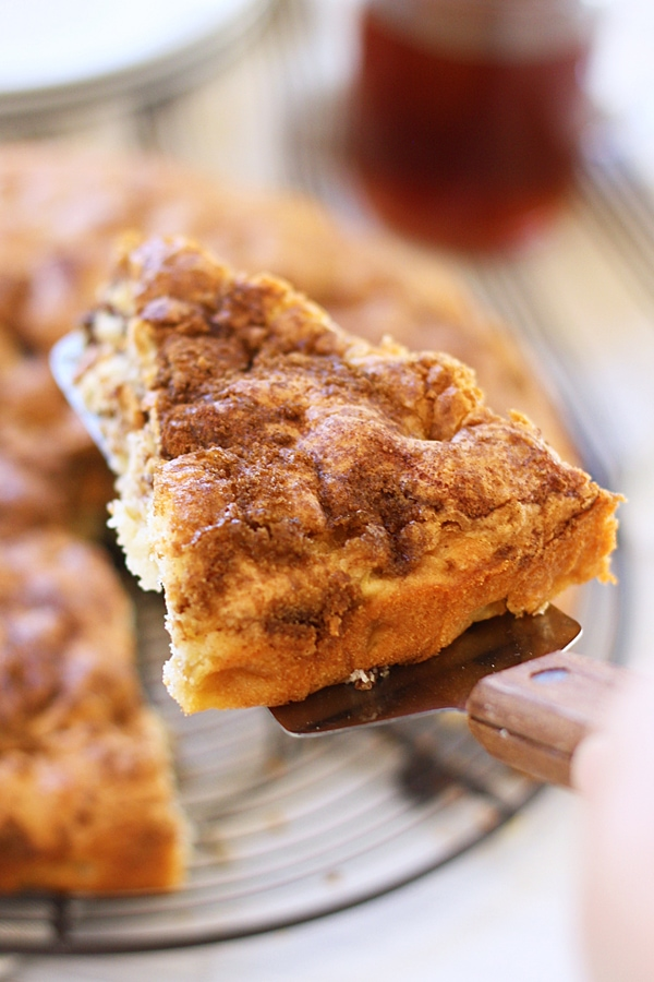 Apple Coffee Cake - sweet and decadent coffee cake loaded with apple, this cake is super easy to bake and perfect with tea or coffee | rasamalaysia.com