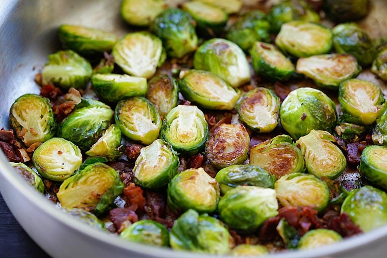 Garlic-Prosciutto Brussels Sprouts