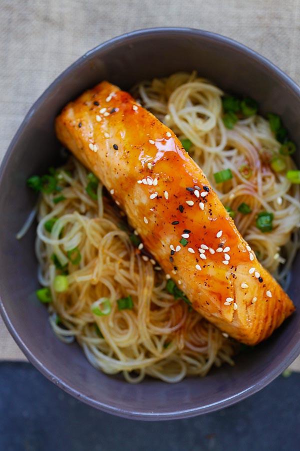 Salmon Teriyaki Noodles - moist and juicy salmon and rice noodles made with San-J Tamari. Gluten-free, healthy family weeknight dinner | rasamalaysia.com