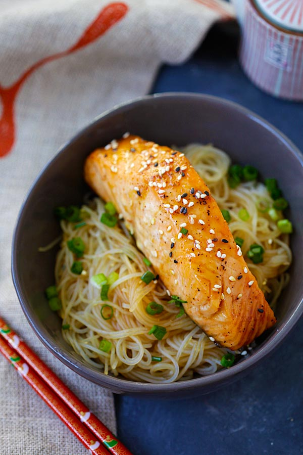 Gluten-free Salmon teriyaki Noodles in a bowl.