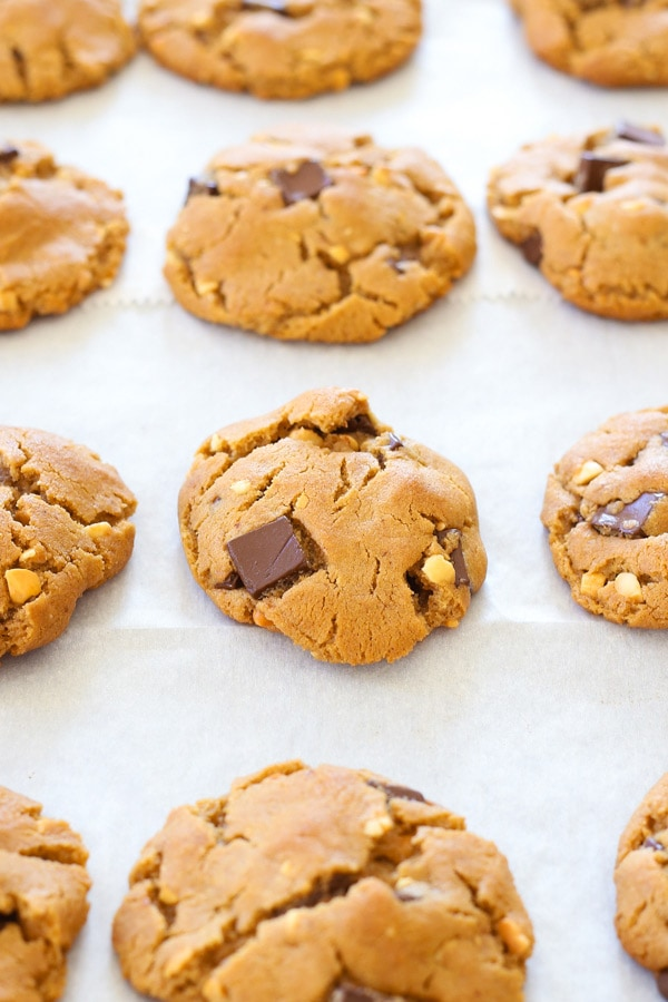 Easy homemade baked peanut butter chocolate cookies.