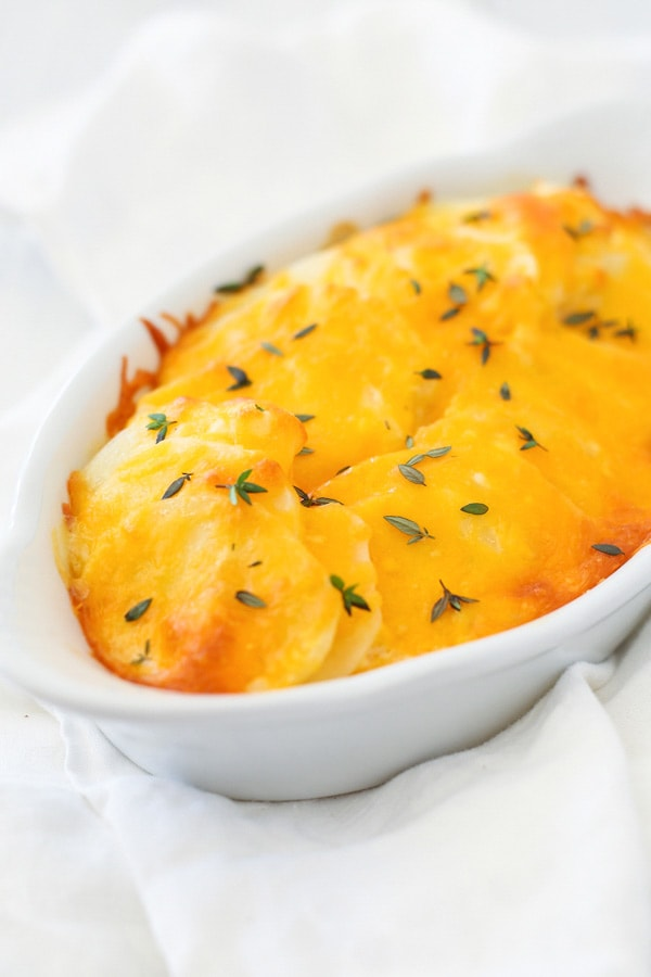Scalloped Potatoes - creamy, cheesy and rich potatoes that everyone will be begging for more, learn this easy scalloped potatoes recipe | rasamalaysia.com