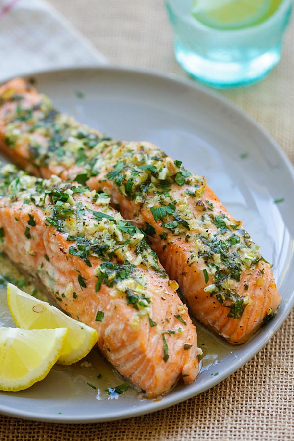 Easy and delicious oven roasted salmon in a plate.