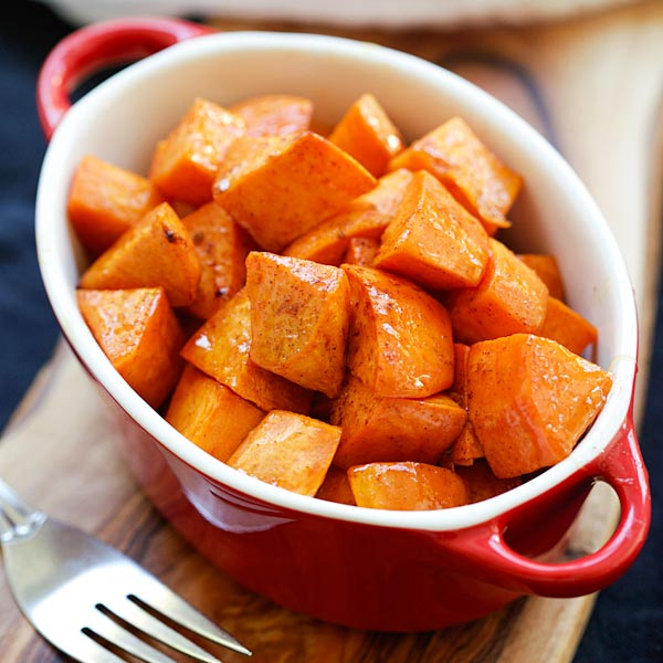 Honey Cinnamon Roasted Sweet Potatoes - the best fall and Thanksgiving side dish that everyone can't stop eating. Easy peasy and fool-proof | rasamalaysia.com