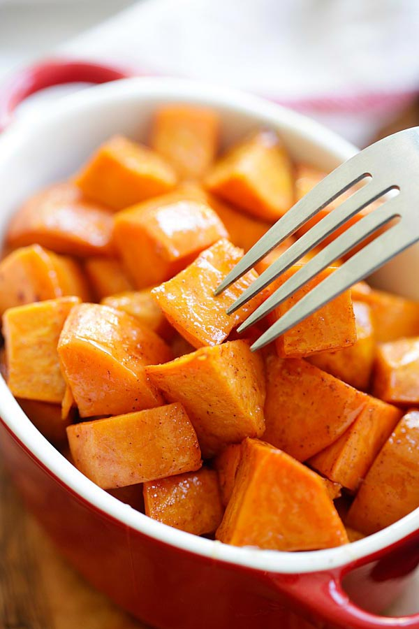 Roasted Sweet Potatoes marinade with cinnamon and honey, ready to serve.