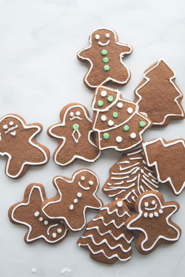 The best and easiest gingerbread cookies recipe by The Kitchy Kitchen.